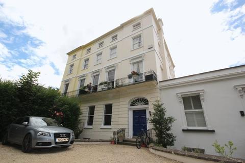 2 bedroom flat to rent - London Rd Cheltenham
