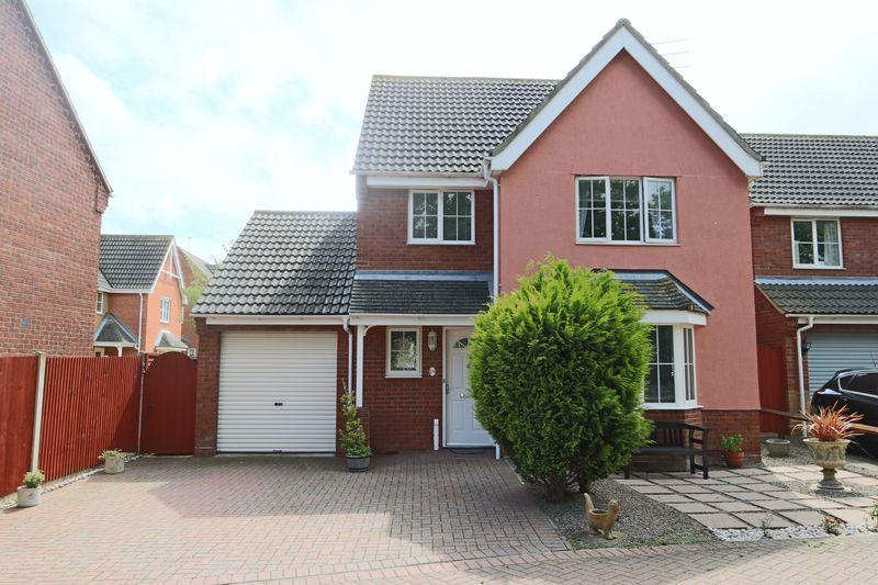 3 Bedrooms Detached House for sale in Johnson Way, Lowestoft