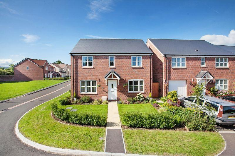 4 Bedrooms Detached House for sale in Aspin Close, Wellington
