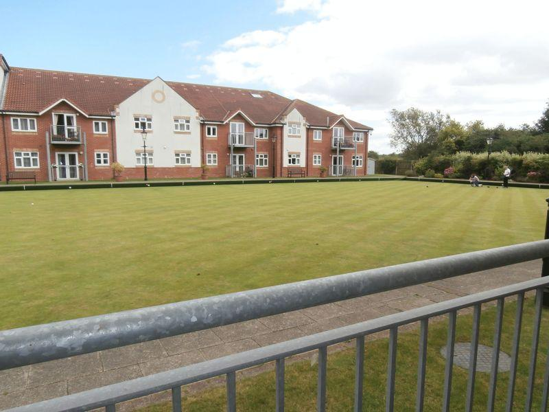 2 Bedrooms Apartment Flat for sale in Birch Tree Drive, Hedon