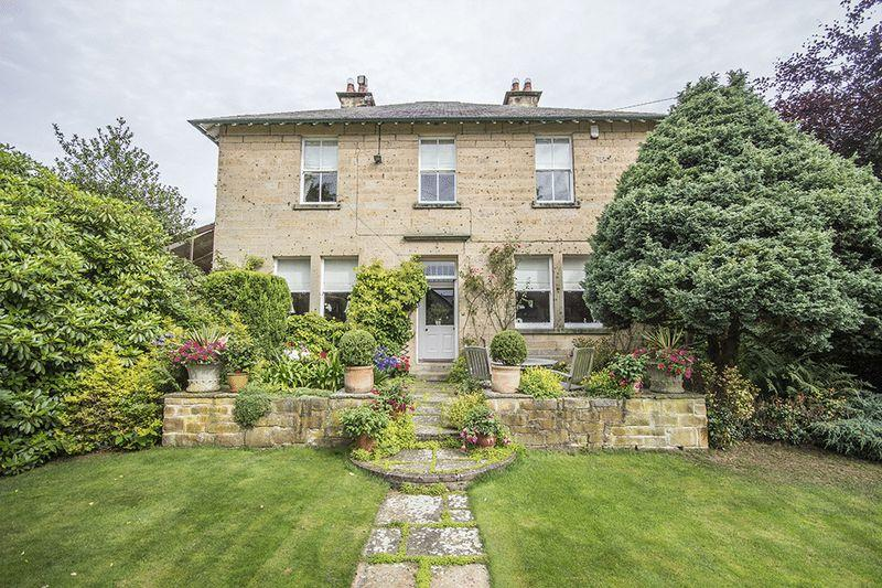 5 Bedrooms Detached House for sale in Bank House, Belsay
