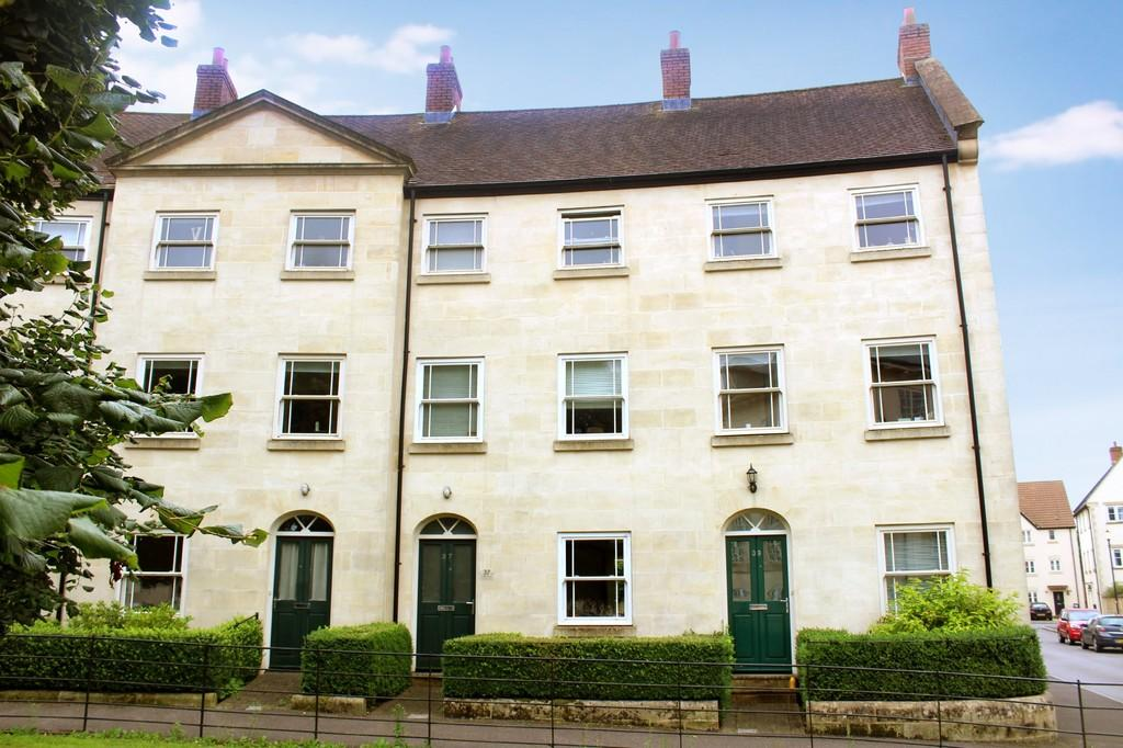3 Bedrooms Terraced House for sale in Hobbs Road, Shepton Mallet