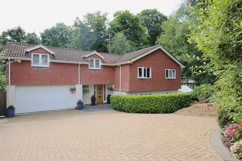 3 bedroom detached house to rent - Parkside, Farnham