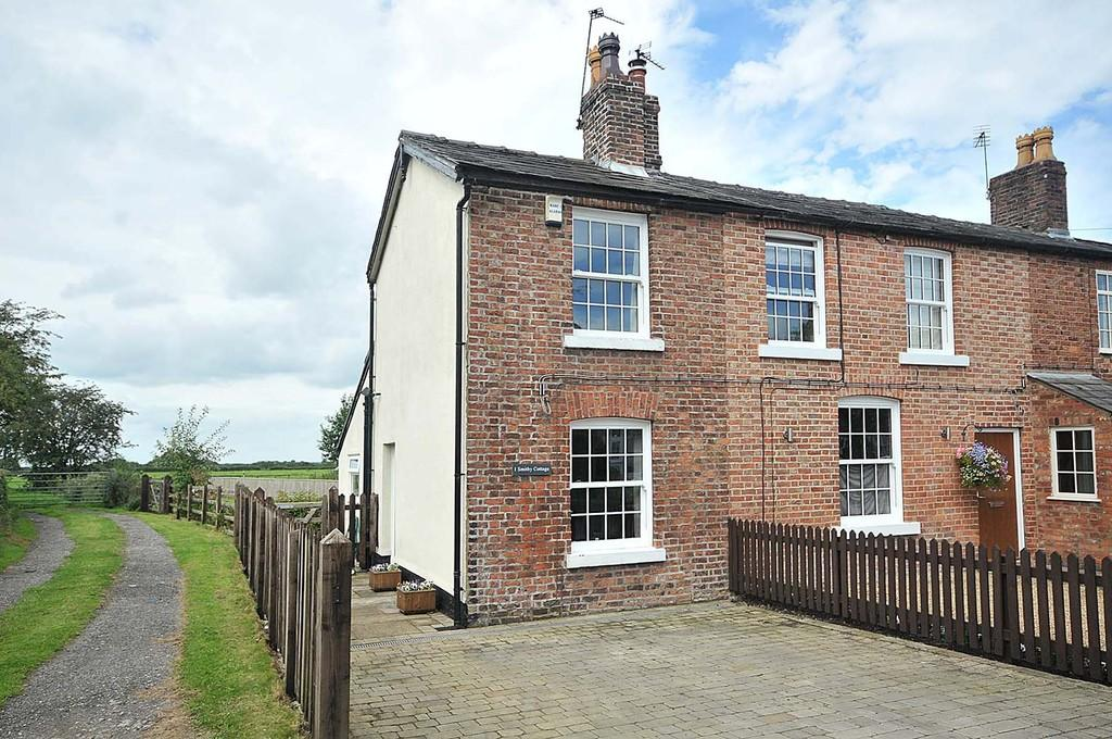 2 Bedrooms Cottage House for sale in Morley Green Road, Wilmslow