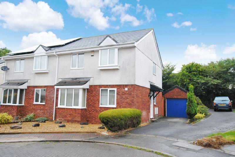 4 Bedrooms Semi Detached House for sale in Cook Court, Saltash