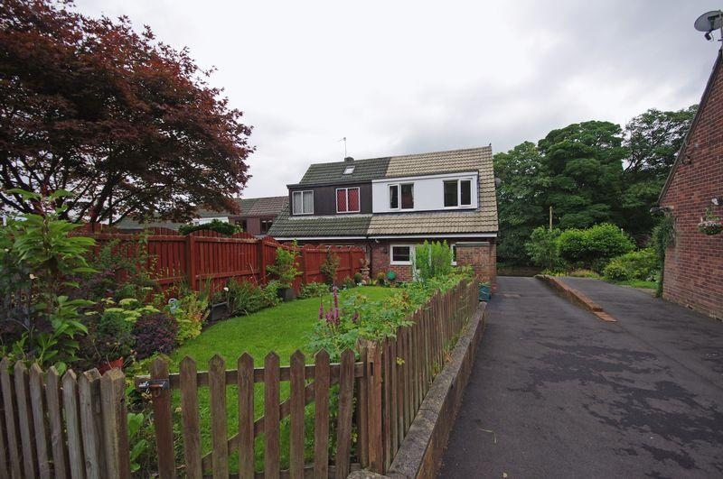 3 Bedrooms Semi Detached House for sale in 28 Haugh End Lane, Sowerby Bridge, HX6 3BJ