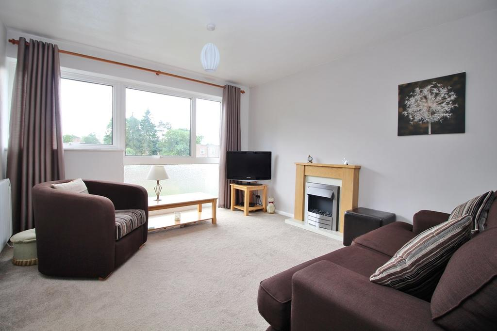 2 Bedrooms Flat for sale in Northcotts, Old Hatfield, AL9
