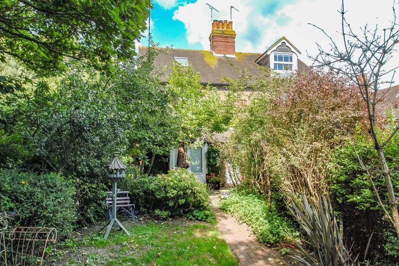 2 Bedrooms Semi Detached House for sale in The Twitten, Ditchling