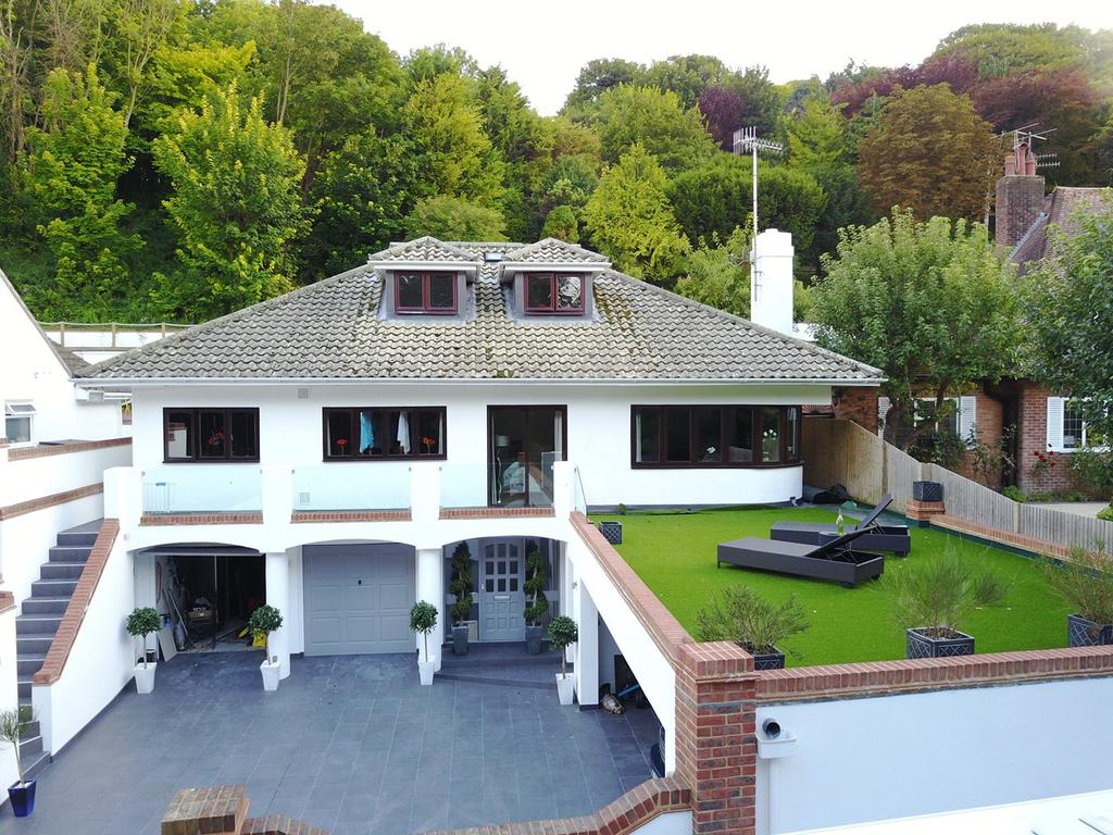 3 Bedrooms Villa House for sale in The Vale, Ovingdean, Brighton, BN2