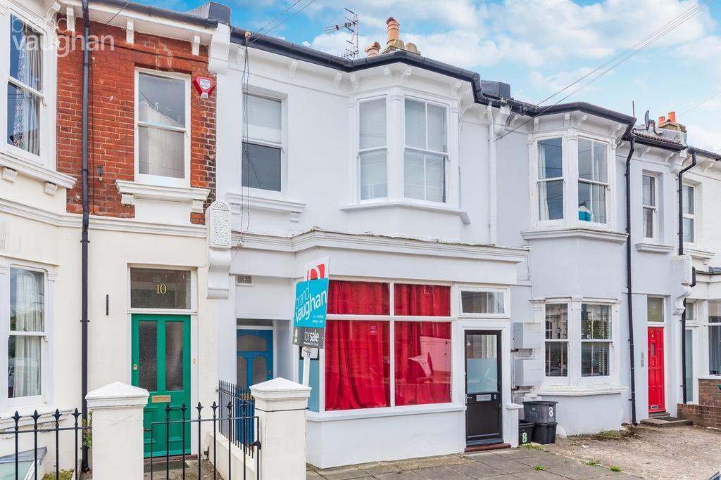 2 Bedrooms Maisonette Flat for sale in Grantham Road, Brighton, BN1