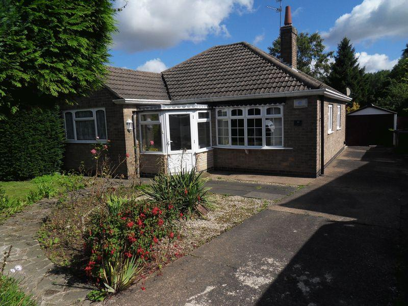 3 Bedrooms Bungalow for sale in Hall Lane, Whitwick