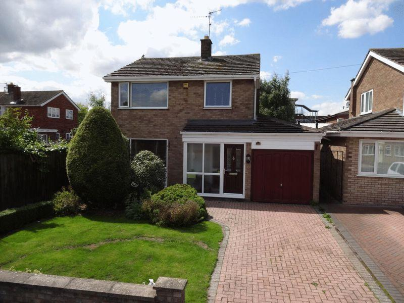 3 Bedrooms Detached House for sale in Shire Road, Corby