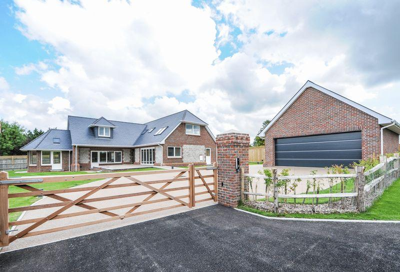 4 Bedrooms Detached House for sale in Plot 2 Adams Gardens, West End Lane, Henfield