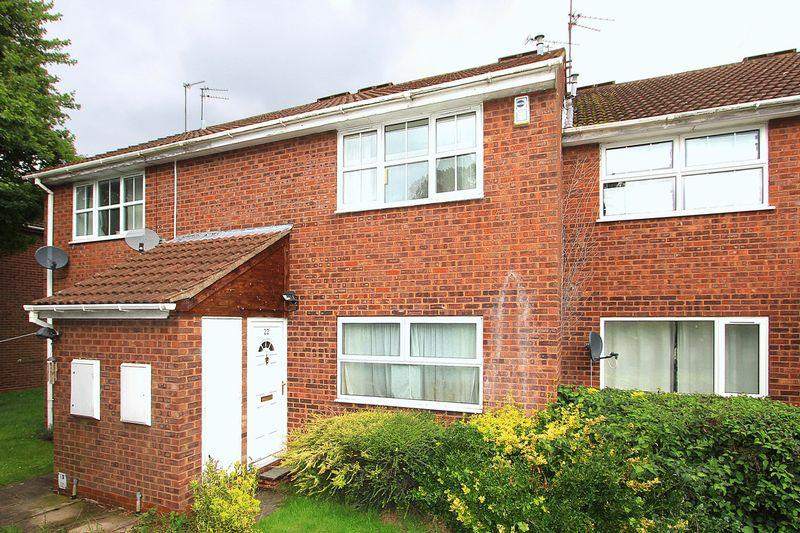 1 Bedroom Apartment Flat for sale in PENDEFORD, Weyhill Close