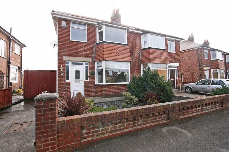 3 Bedrooms Semi Detached House for sale in Newton Avenue, Poulton-Le-Fylde