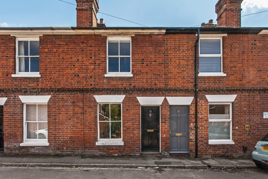 2 Bedrooms Terraced House for sale in Wharf Hill, Winchester, SO23