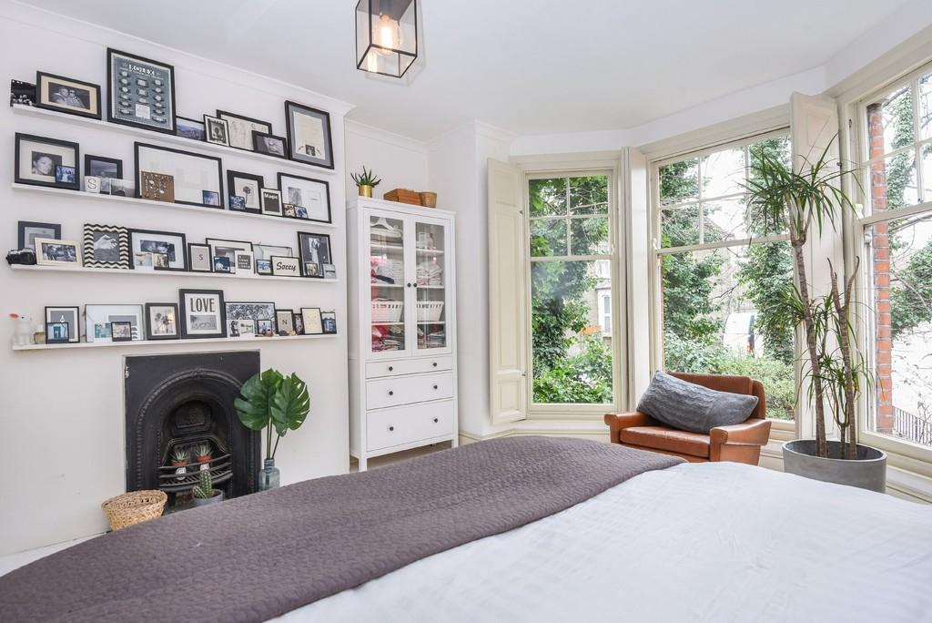 2 Bedrooms Apartment Flat for sale in Northwold Road, London