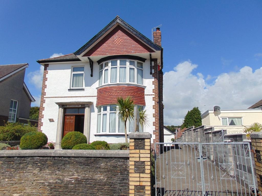 4 Bedrooms Detached House for sale in Gower View, Llanelli
