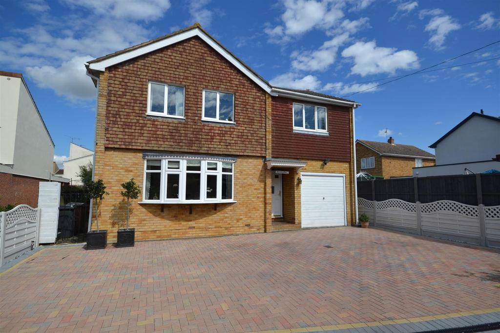 5 Bedrooms Detached House for sale in Old Church Road, East Hanningfield