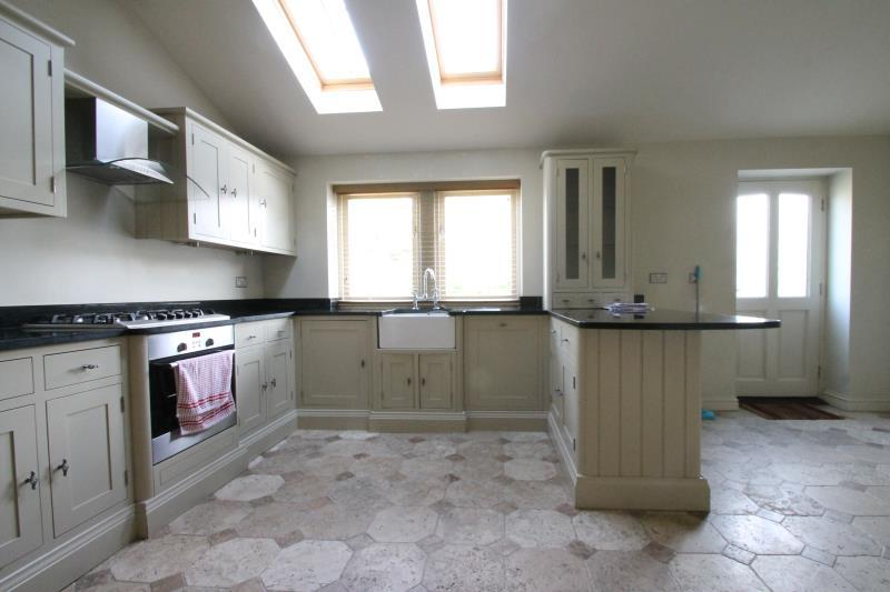 5 Bedrooms Town House for rent in Bond End Gardens, Knaresborough, HG5