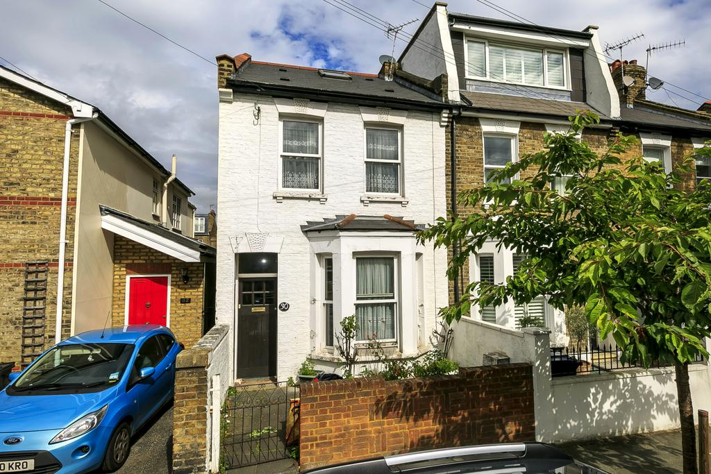 3 Bedrooms House for sale in Montgomery Road, London
