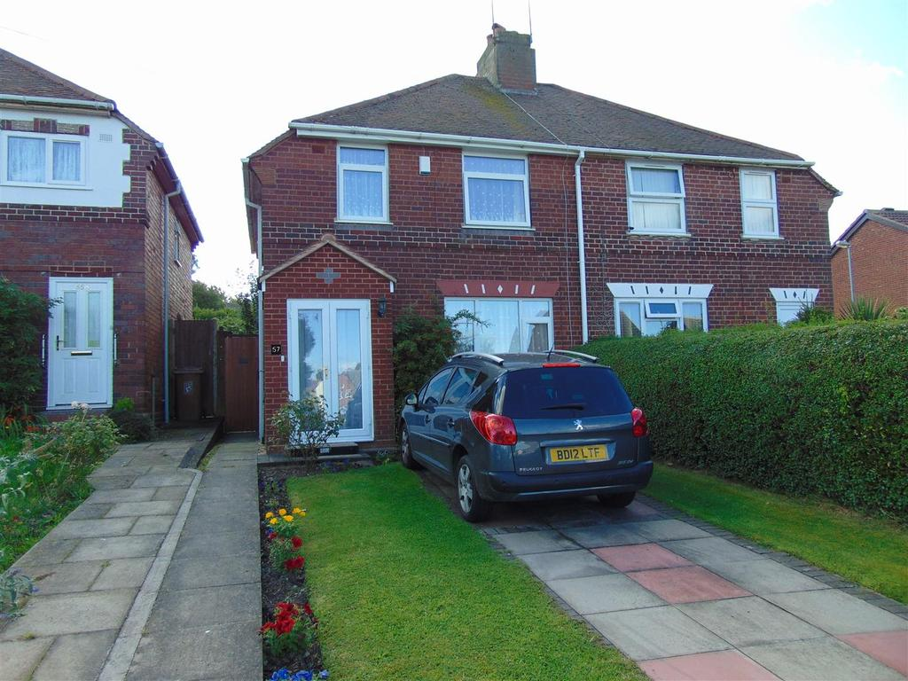 3 Bedrooms Semi Detached House for sale in Friezland Lane, Brownhills
