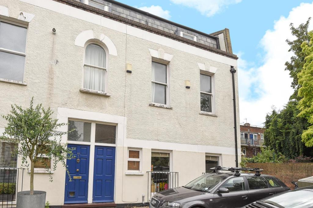 2 Bedrooms Semi Detached House for sale in Grosvenor Park, Camberwell