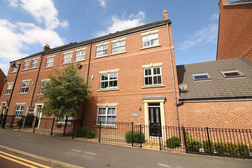 5 Bedrooms End Of Terrace House for sale in Featherstone Grove, Newcastle Upon Tyne