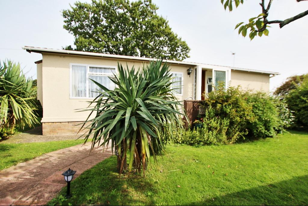 2 Bedrooms Park Home Mobile Home for sale in Lion House Park, Hailsham BN27