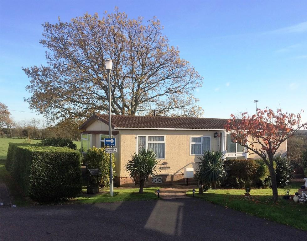 2 Bedrooms Park Home Mobile Home for sale in Lion House Park, Hailsham BN27