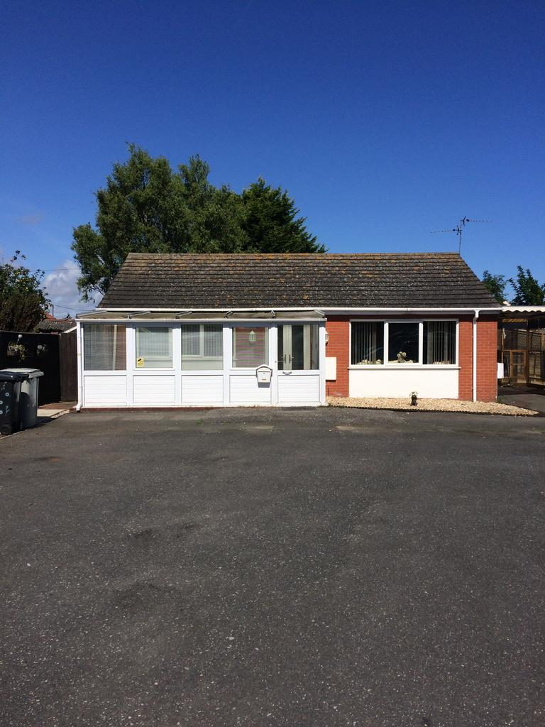 1 Bedroom Bungalow