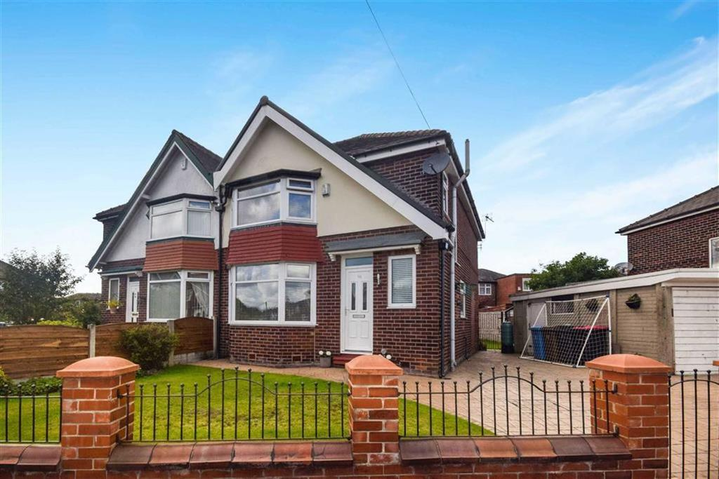 3 Bedrooms Semi Detached House for sale in Eccles Road, South Swinton