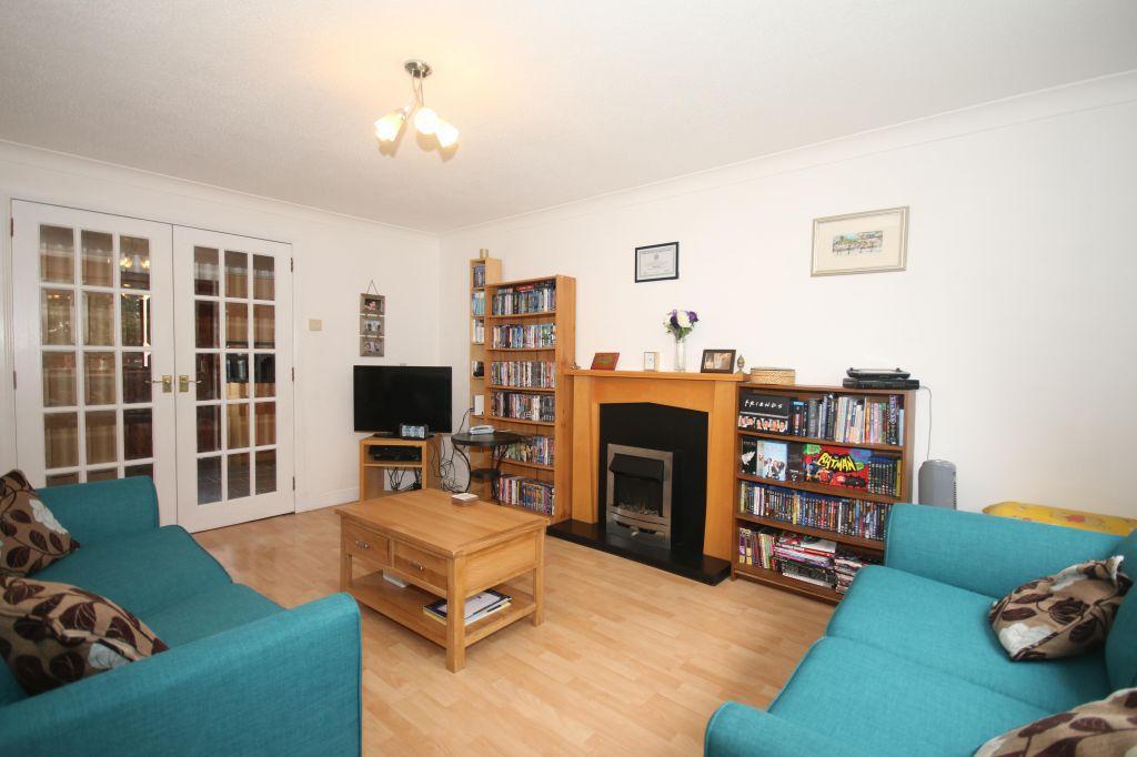 3 Bedrooms End Of Terrace House for sale in 55 Mellerstain Drive, Yoker, Glasgow, G14 0LJ