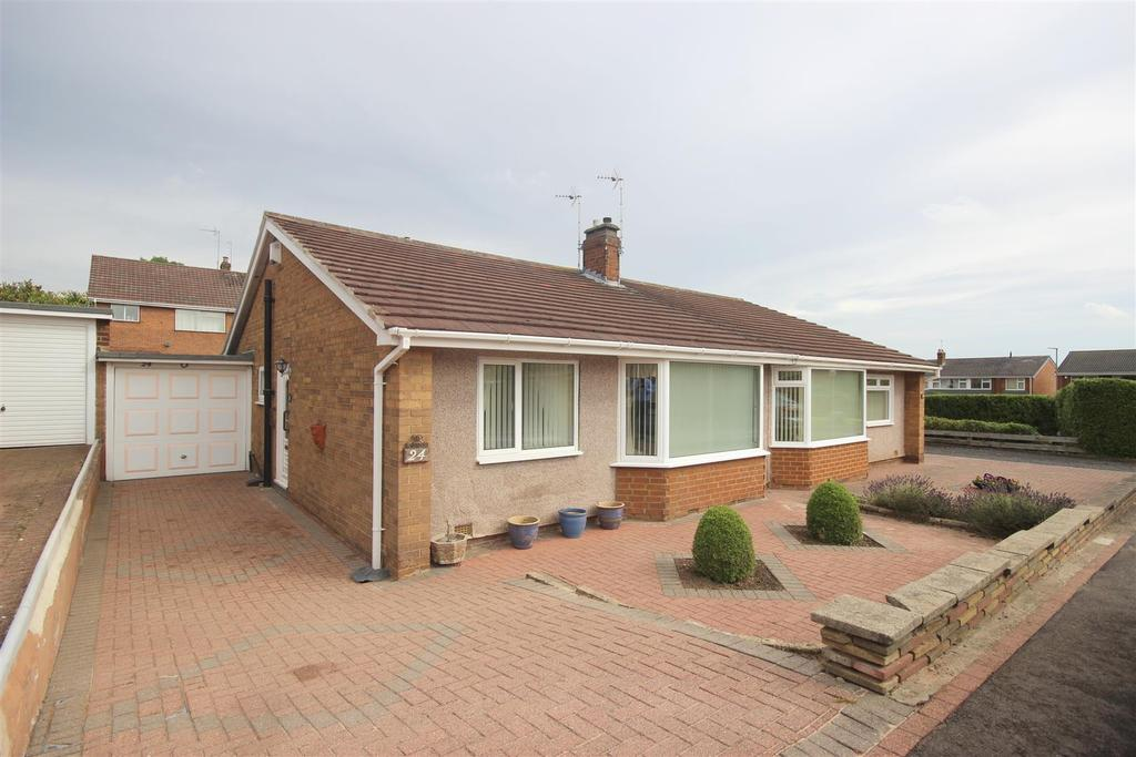 2 Bedrooms Semi Detached Bungalow for sale in Grasmere Road, Chester Le Street