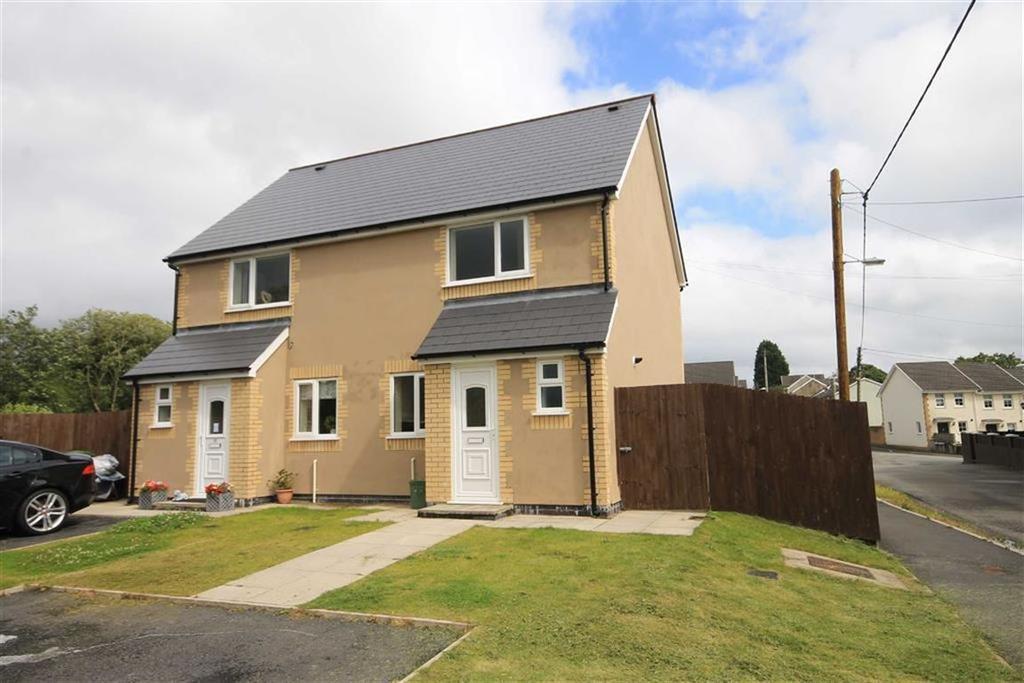 3 Bedrooms Semi Detached House for sale in Elm Grove, Hirwaun, CF44