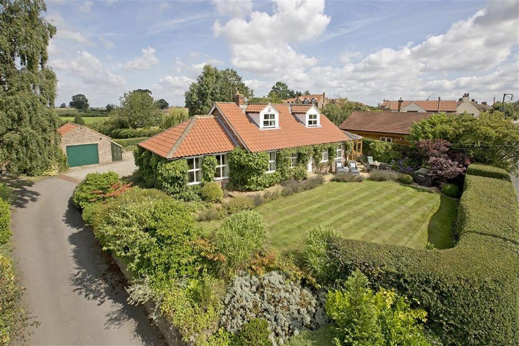 4 Bedrooms Detached House for sale in Arkendale, Knaresborough, North Yorkshire