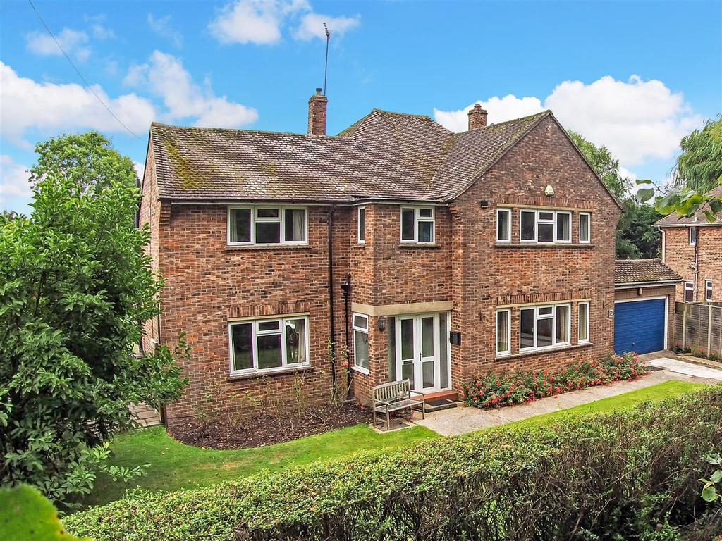 4 Bedrooms Detached House for sale in Drake Grove, Burndell Road, Yapton