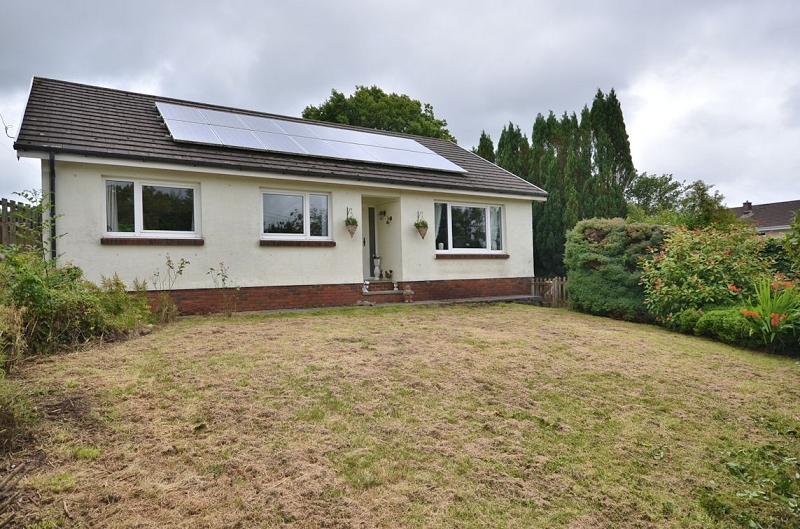3 Bedrooms Land Commercial for sale in Penyrheol Farm , Heol Y Foel, Foelgastell, Llanelli, Carmarthenshire. SA14 7EG
