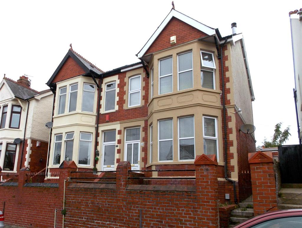4 Bedrooms Semi Detached House for sale in Somerset Road, Barry