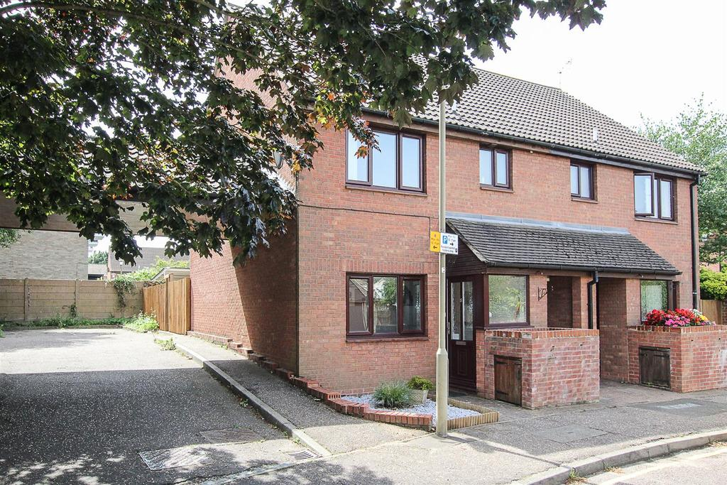 1 Bedroom Apartment Flat for sale in Consort Close, Warley, Brentwood