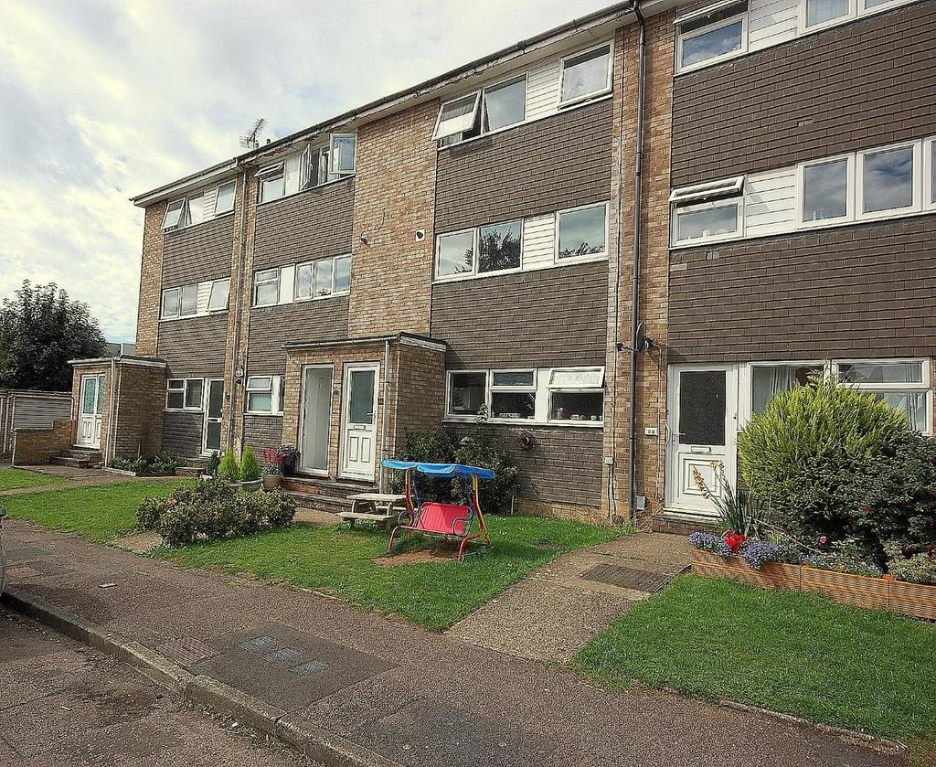 3 Bedrooms Duplex Flat for sale in Ivel Road, Stevenage