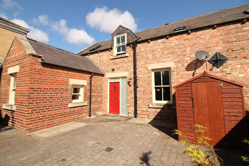 3 Bedrooms House for sale in The Courtyard, Church Road, Backworth, Newcastle Upon Tyne