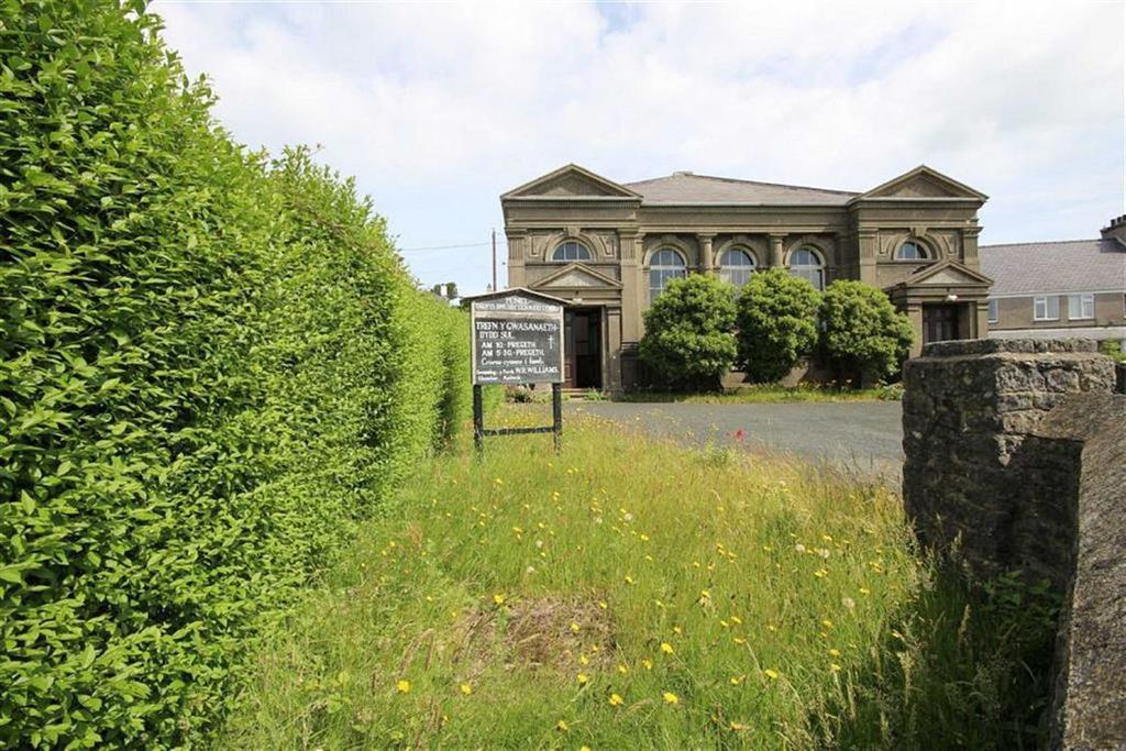 Detached House for sale in Llaneilian Road, Porth Amlwch, Anglesey, LL68