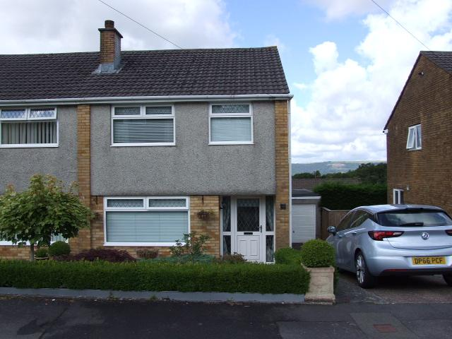 3 Bedrooms Semi Detached House for sale in 60 Brynau Wood, Cimla