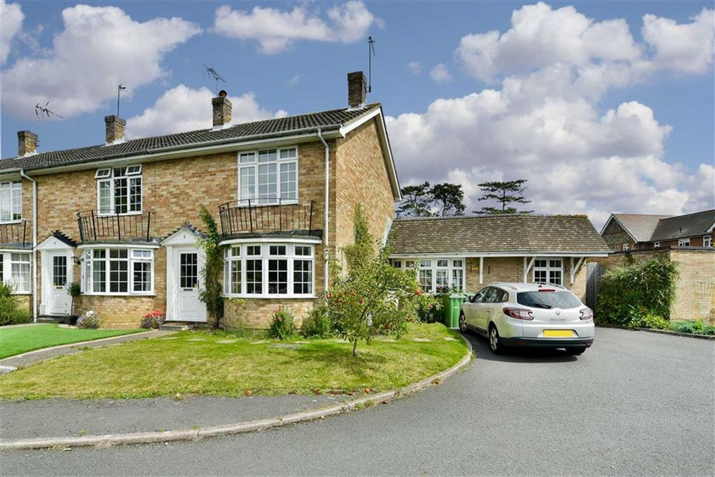 3 Bedrooms End Of Terrace House for sale in Pound Court, Ashtead, Surrey