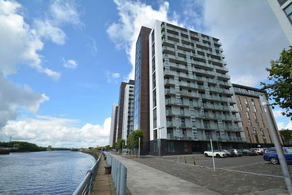 2 Bedrooms Flat for sale in 9/5, 16 Castlebank Place, Glasgow, G11 6BX
