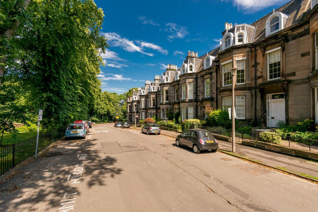 2 Bedrooms Flat for sale in 18 Magdala Crescent, West End, EH12 5BD