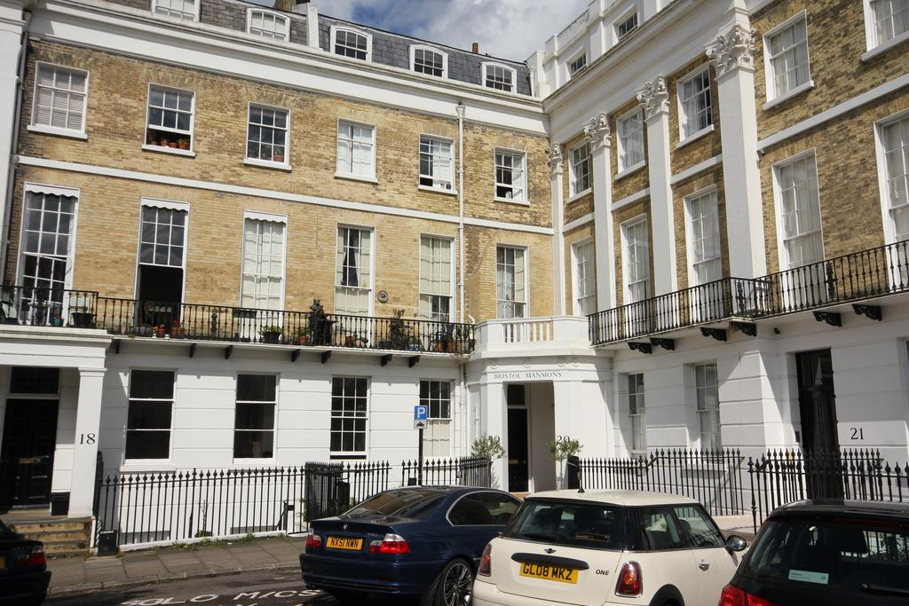 3 Bedrooms Flat for rent in Sussex Square, Brighton BN2