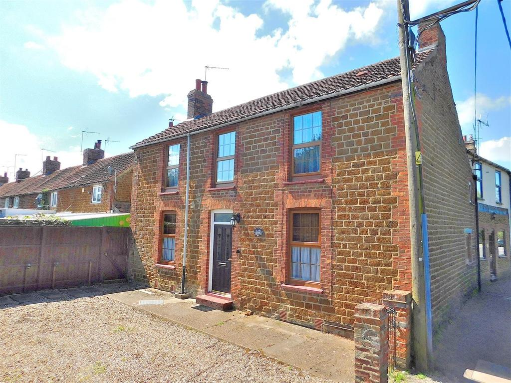 3 Bedrooms End Of Terrace House for sale in Lynn Road, Heacham, King's Lynn