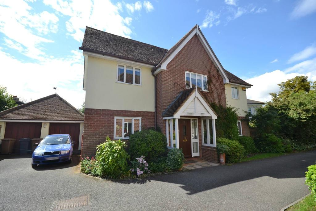 4 Bedrooms Detached House for sale in Guys Farm, Writtle, Chelmsford, Essex, CM1